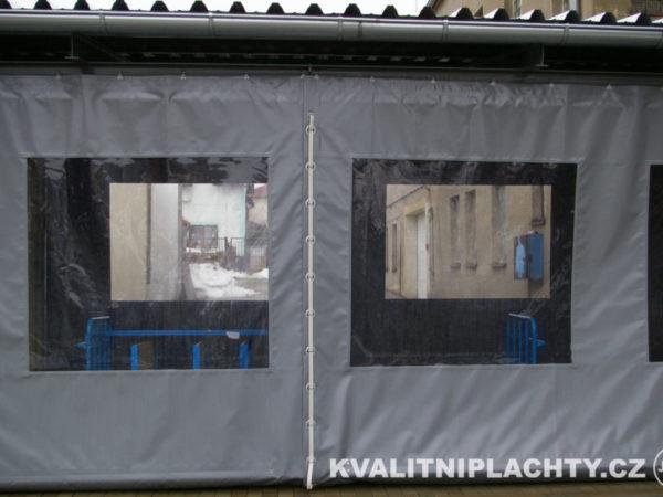 Kdycí plachty - dílenská clona s oknami - dělenná