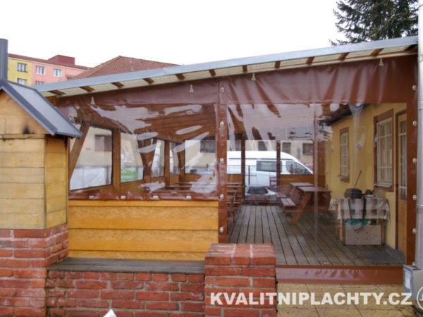 Oplaštění restaurace s maximalní okenní části
