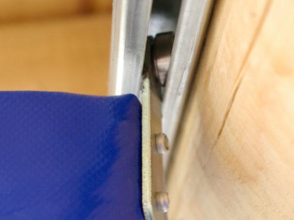 Zastrřešení restaurace boční shrnutí plachty detail pojezdu